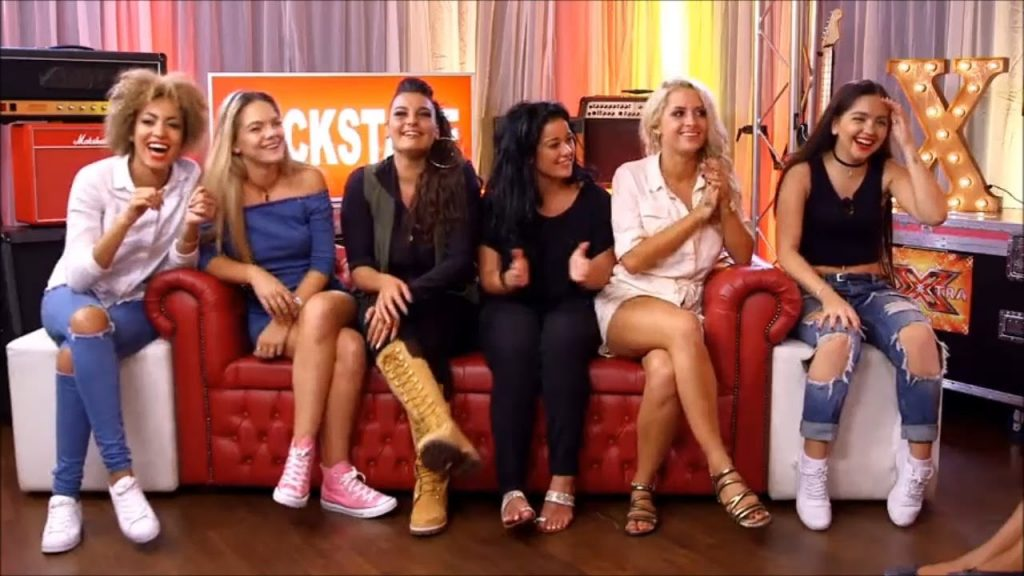 Six Unrelated Girls Can't Live Together!